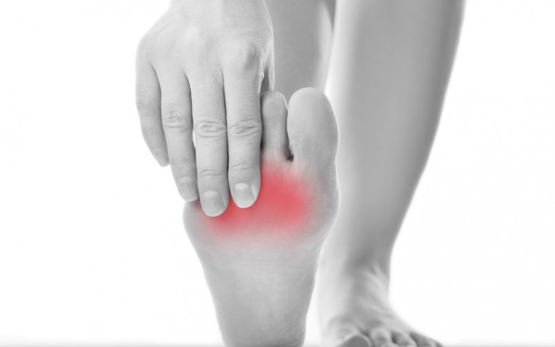 patient suffering from symptoms of Morton's neuroma